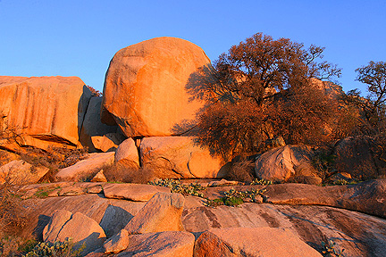 Early morning scene from Enchanted Rock. Image #6